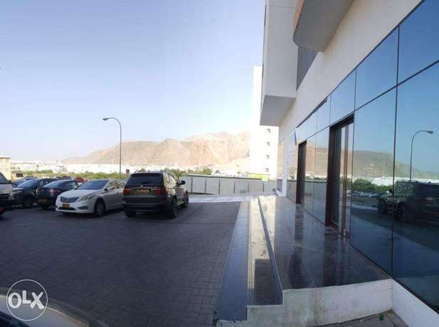 showroom 360SQM for rent in bousher