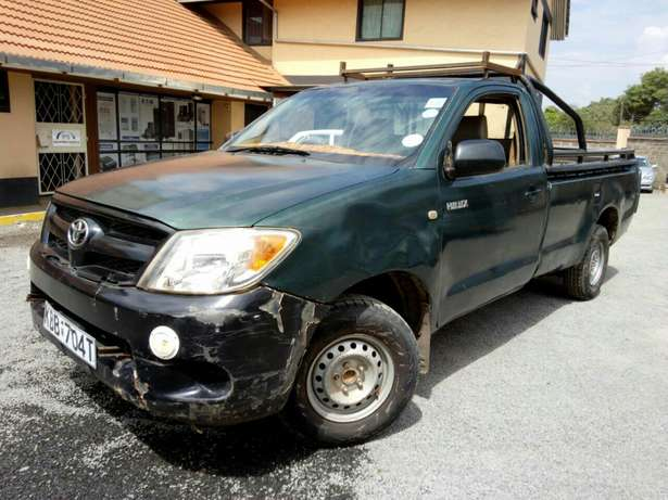 Affordable toyota Hilux 2008 Hurlingham - image 4
