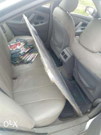 Clean 09/Toyota Camry Biogbolo - image 3