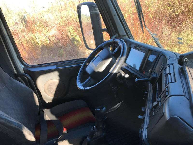 Volvo FH 12-380 Globetrotter, Manual Gearbox, Airco - 1998 - image 10