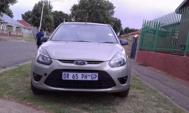 For Sale - Ford Figo 1.4 Ambiente (Low Mileage) Southdale - image 2