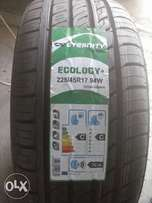 The tyre is size 225/45/17