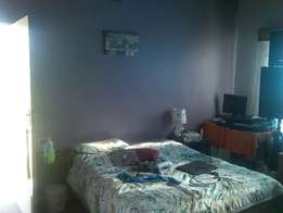 Bachelor flat immediately available in Midrand