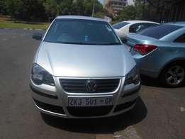 Polo 1.6 2009 model Silver in color 94000km R80000