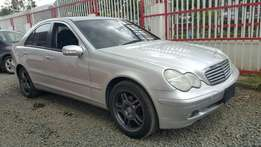 VERY CLEAN!! Mercedes Benz, C200 Kompressor,Year 2002, Silver