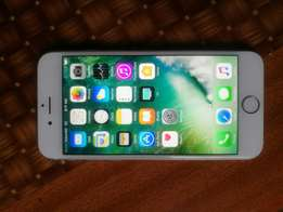 Apple iphone 6s, 16gb. Mint condition.