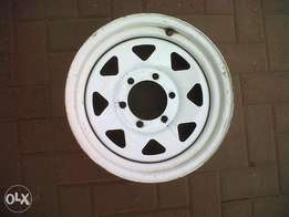 15inch White Bakkie 6hole 139.7 Rims without caps