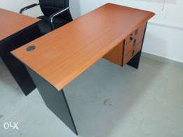 Standard Office table 002