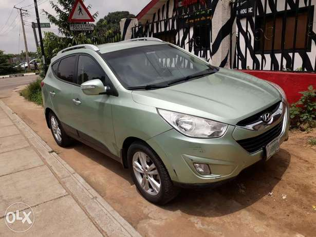 Super clean vehicle Hyundtai ix35 2012model Ikeja - image 3