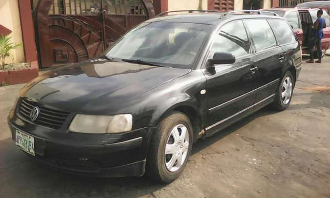 Volkswagen passat wagon 4plug engine automatic gear first body 550k Lagos Mainland - image 1