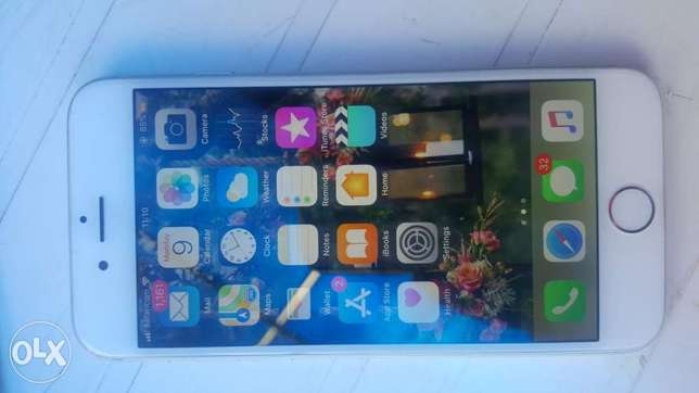 Iphone 6 For Sale !! + free Adidas cover Avenue Park - image 1