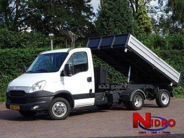 Iveco Daily BE LICENSE 3 SIDED KIPPER 3.6T LOAD - 2012