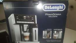 Delonghi coffee machines ESAM6900 Exclusive.