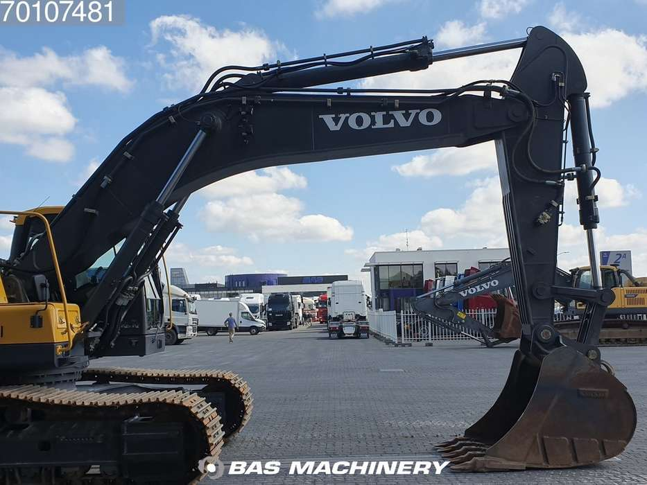 Volvo EC380DL LOW HOURS - READY FOR WORK - 2016 - image 7