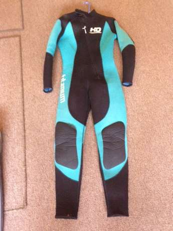 Diving Wetsuits and Free Diving/Spearfishing Fins Germiston - image 6
