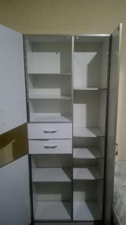 Beautiful wardrobe in very good condition Kampala - image 3