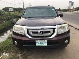 super clean Honda pilot available for quick deal
