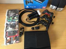 Ps3 12G with 4 controllers,6 games and more