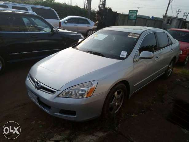 2007 Honda Accord Hybrid Edition in PERFECT shape Ikeja - image 6