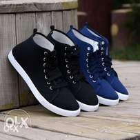 laced sneakers for guys