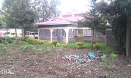 4 bedroom bangalore on 1/4 acre town plot ,with 3 bedroom hse at 25m