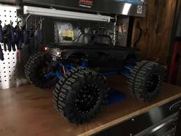 TRAXXAS E-REVO 1/10 Custom Monster
