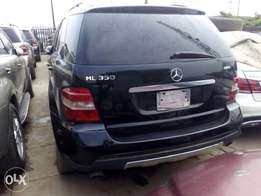 ML 350 Benz 2008 Model, Neatly used
