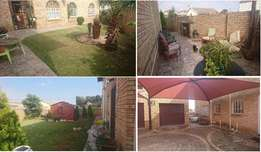 House in randfontein buttom floor