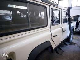 Land Rover white Manual KCN
