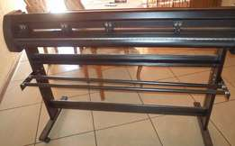 Vinyl Cutter. Brand New. Excellent Condition. Readily available