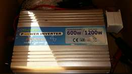 Inverter DC to AC and batteries