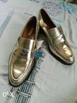Brand new golden H&M shoes for ladies