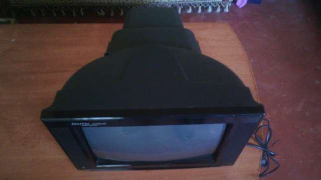 Selling a well maintained CRT tv with good picture quality Kahawa - image 2