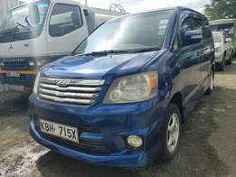 Toyota Noah Colour blue on sale,buy and drive!!