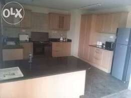 Elegantly fully furnished apartment 3 bedrooms two en suite to let