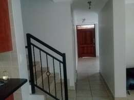 1 room available in a 3 bedroom house to share in Olympus