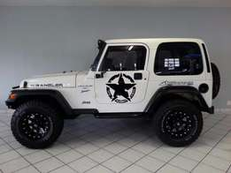 $ White Jeep Wrangler 4.0 $