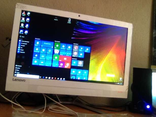 3 weeks old Lenovo C4130 All in One non touch Witkoppen - image 1