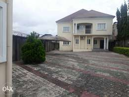 5 bedroom duplex for sell