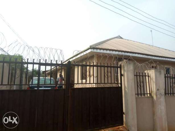 3 flat of 2 bedroom each on a 50/100 at ADP quarter off airport . Benin City - image 1