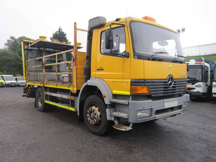 Mercedes-Benz ATEGO CRASH CUSHION (GUIDE PRICE) - 2000
