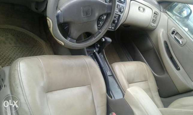 Neatly used honda accord 1999 model for sale Port Harcourt - image 4