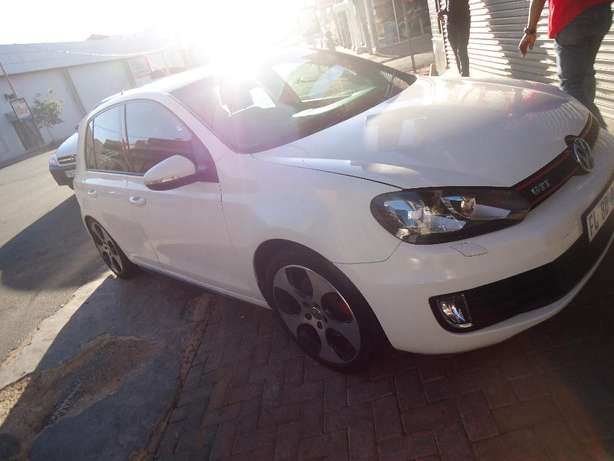 2012 VW Golf GTI DSG Available for Sale Johannesburg - image 2