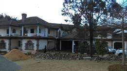 Commercial 8 bedroom house to let in Lavington on 1 Acre
