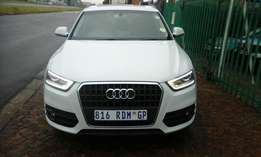 Selling Audi Q3 2 TDI 2012 Excellent condition full service