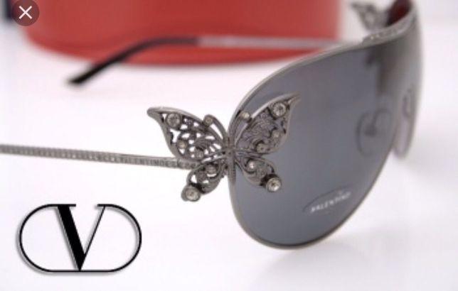 29a35df1e5b3b Okulary Przeciwsłoneczne Valentino Motyle 2 Sposoby Noszenia