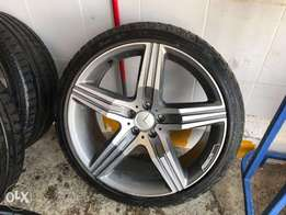 Used 20 inch rims with tyres