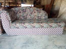 Color combo lovers sofa 30k
