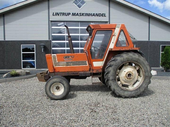 Fiat 880 Pæn Traktor Med Pinifarina Kabine På.