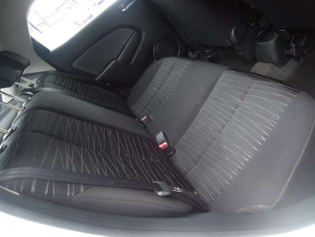 2011 Mazda 2 1.5 Dynamic Available for Sale Johannesburg - image 5